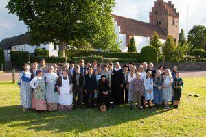 Samlet foto af de optrædende til egnsspillet Banebørster og sognerødder.